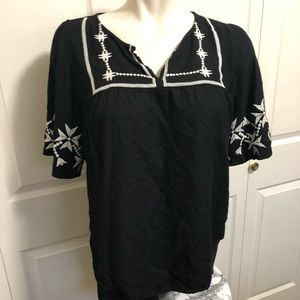 Old Navy Tops - Old navy embroidered blouse sz.XL